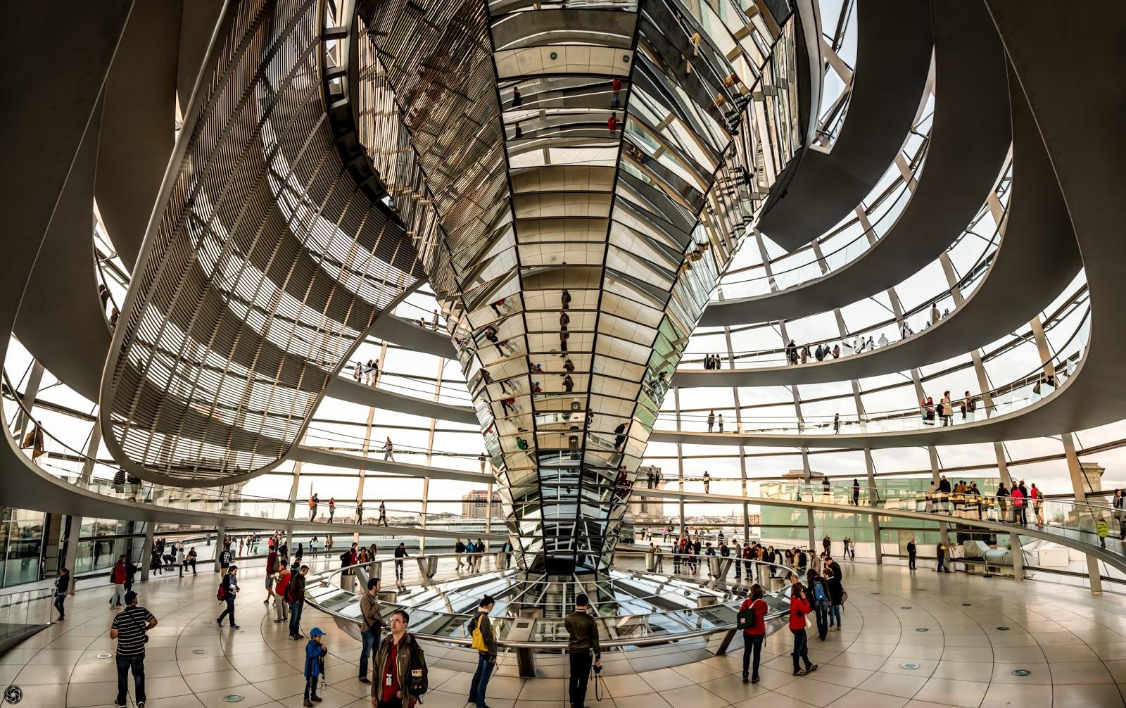 Visión desde el nivel del suelo de espacio de la cúpula :: Panorámica (64MPixels) 10x Canon EOS5D MkIII | ISO400 | Canon24-105 @24mm | f/4.0 | 1/125s