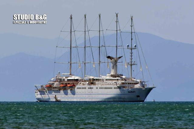 Club Med 2: Το μεγαλύτερο πεντακάταρτο κρουαζιεροπλοιο στον κόσμο ήρθε στο Ναύπλιο