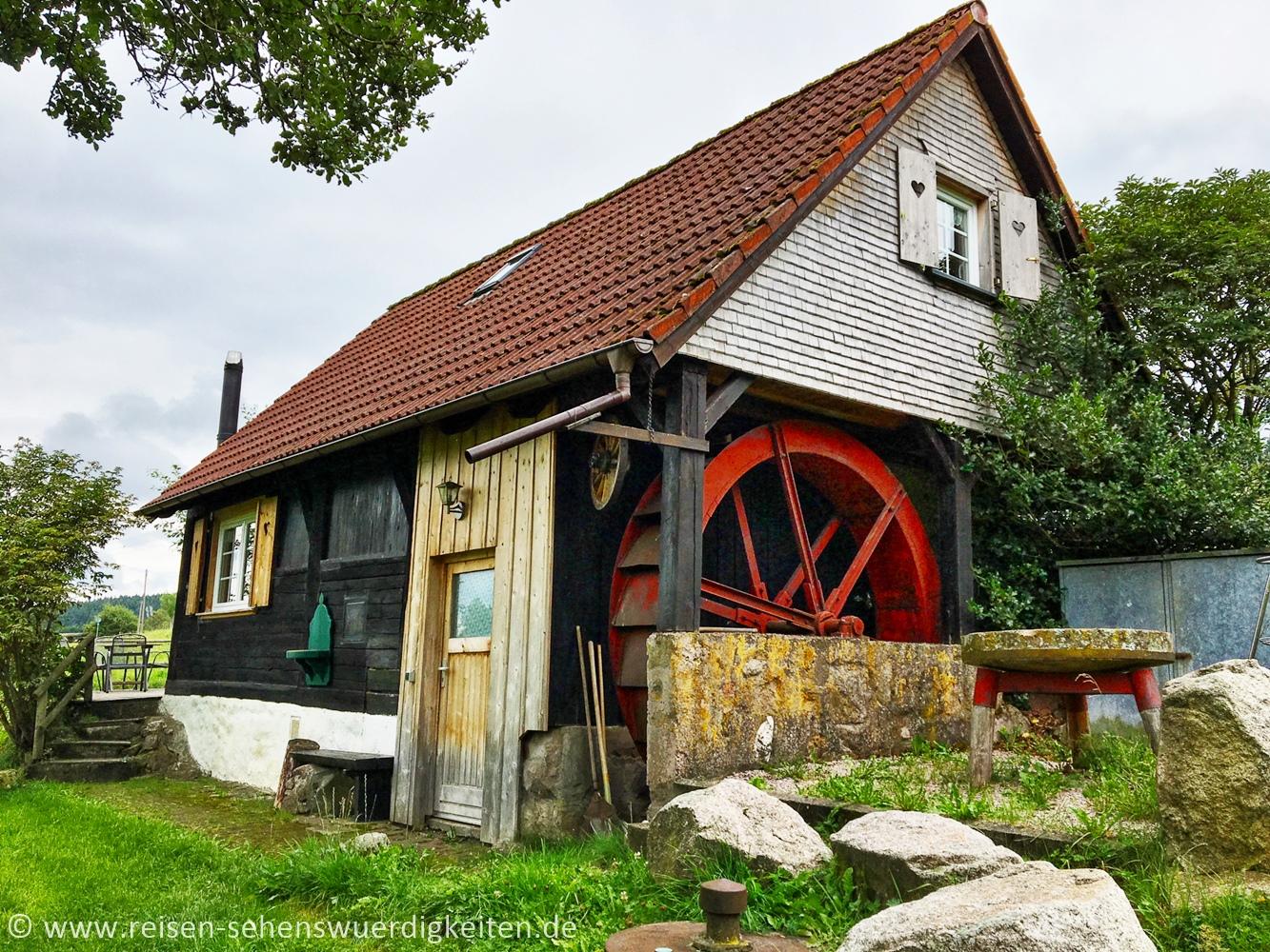 Mühlenstube auf dem Hirzbauernhof, Wassermühle im Schwarzwald