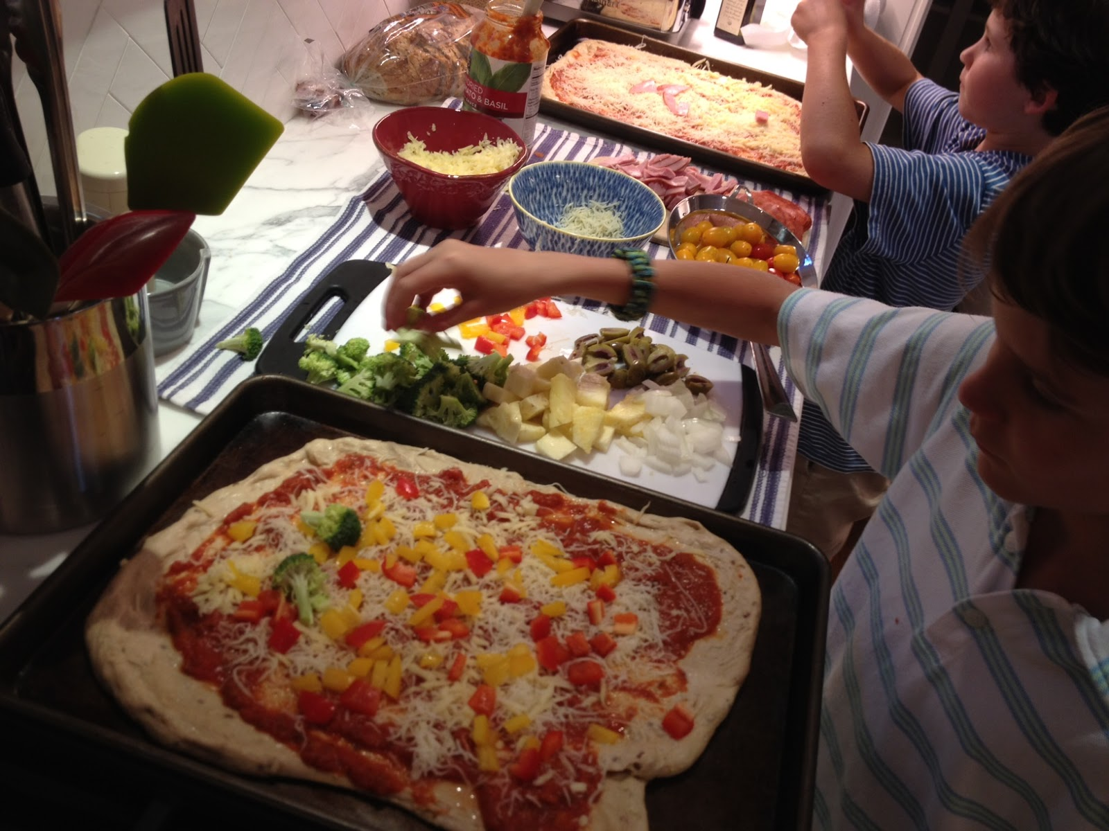 The Full Plate Blog Make Your Own Pizza