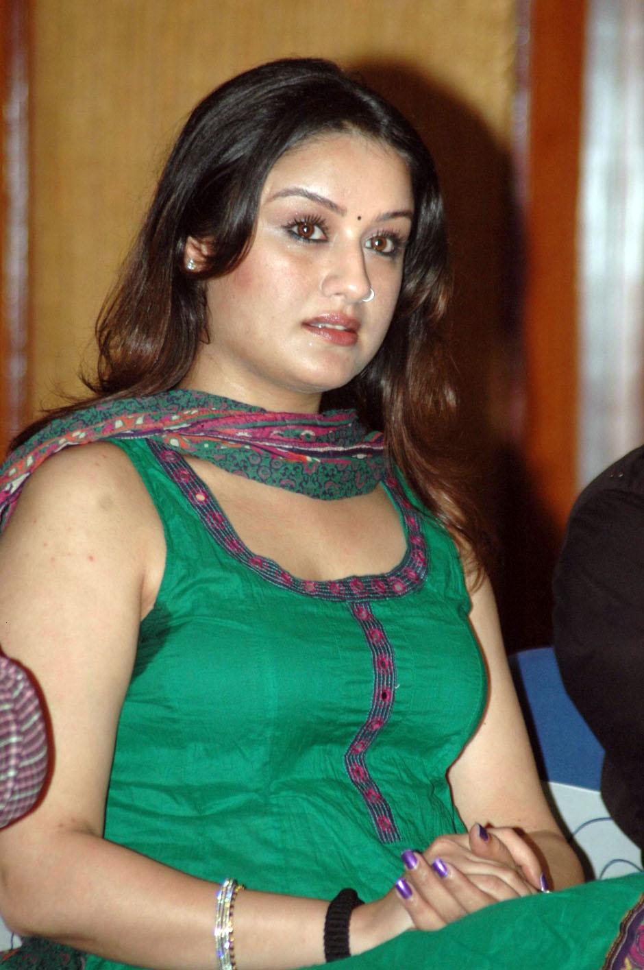 Slicypics Indian Actress Tamanna Bhatia Photos: Kollywood Spicy Actress Sonia Agarwal Latest Green Dress