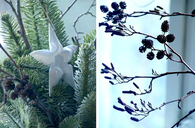 Krukke med gran giver julestemning til vindueskarmen