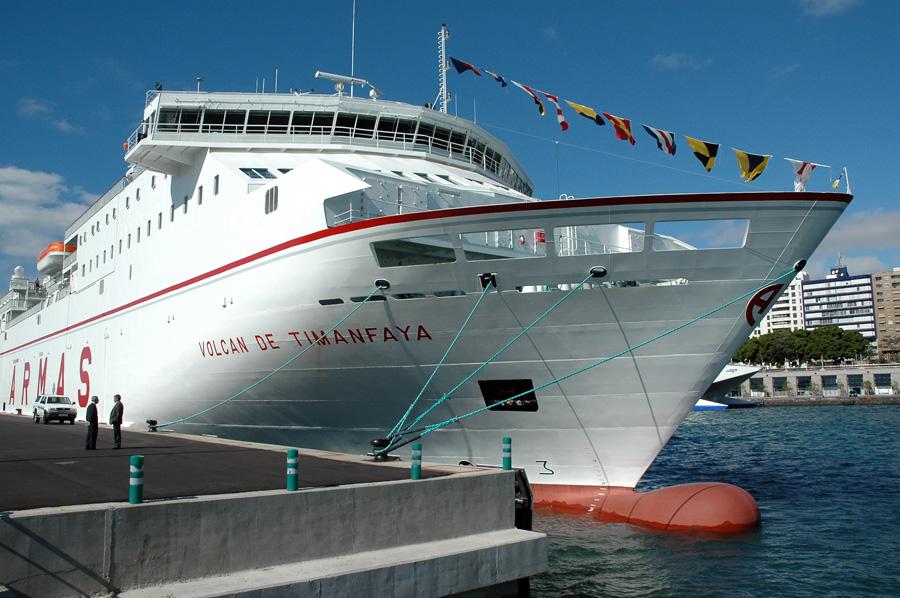Ferrybalear naviera armas ampl a sus horarios desde for Horario de oficina naviera armas