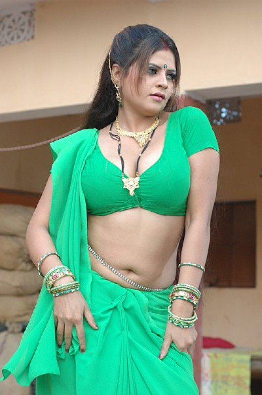 Indian Aunty Hot In Bra