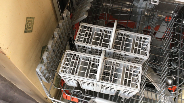 separate cutlery baskets in dishwasher