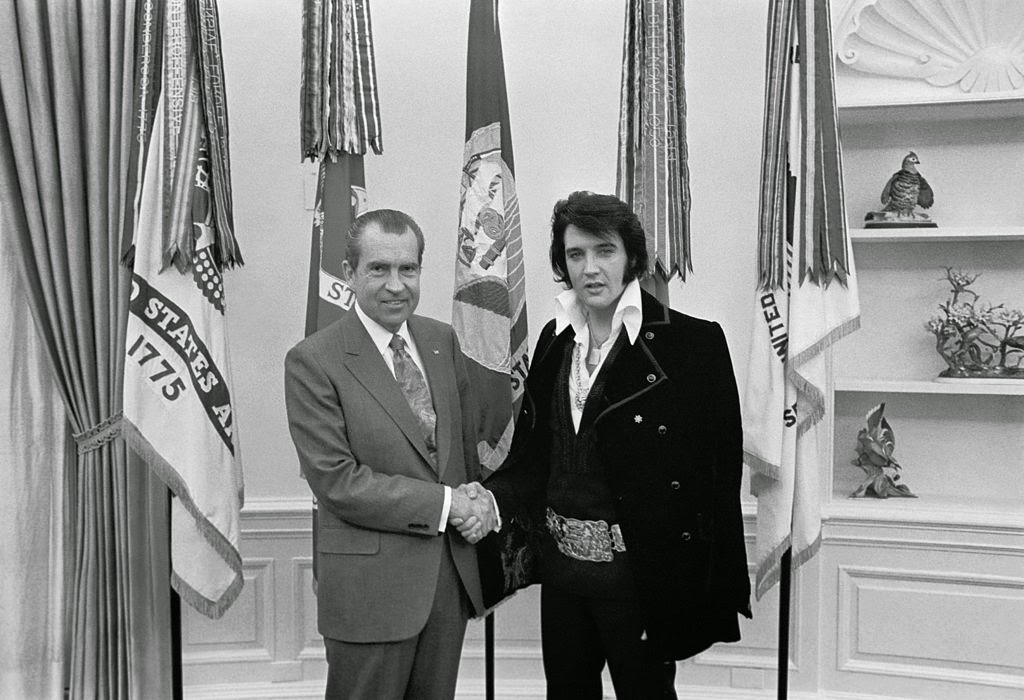 Photo of Richard Nixon and Elvis Presley