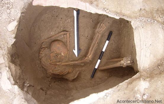 Esqueleto de un cananeo encontrado en Sidón, Líbano