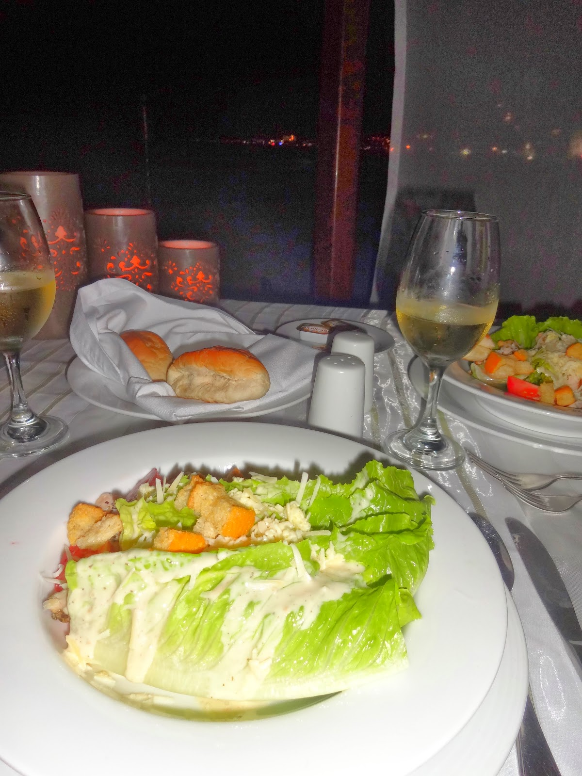 jantar na praia de cancun