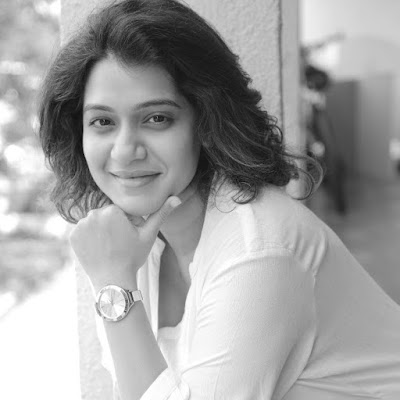 Urmila Kanitkar Wiki, Height, Weight, Age, Husband, Family and Biography