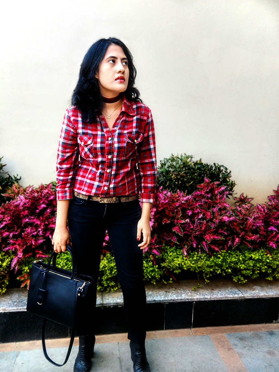 Zara plaid shirt, Levi's black denim ,Mango black Boots,Zara black bag