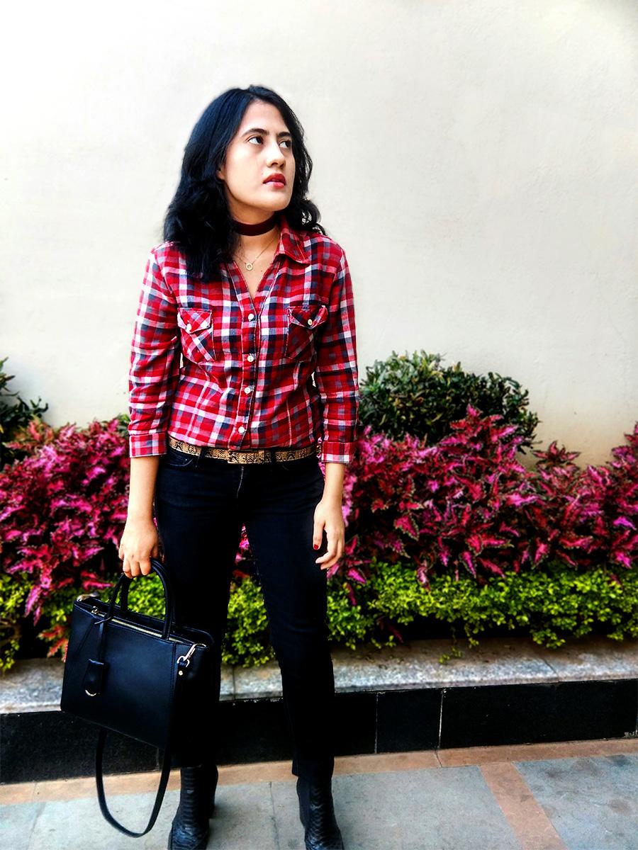 Zara plaid shirt, Levi's black denim ,Mango black Boots,Zara black bag
