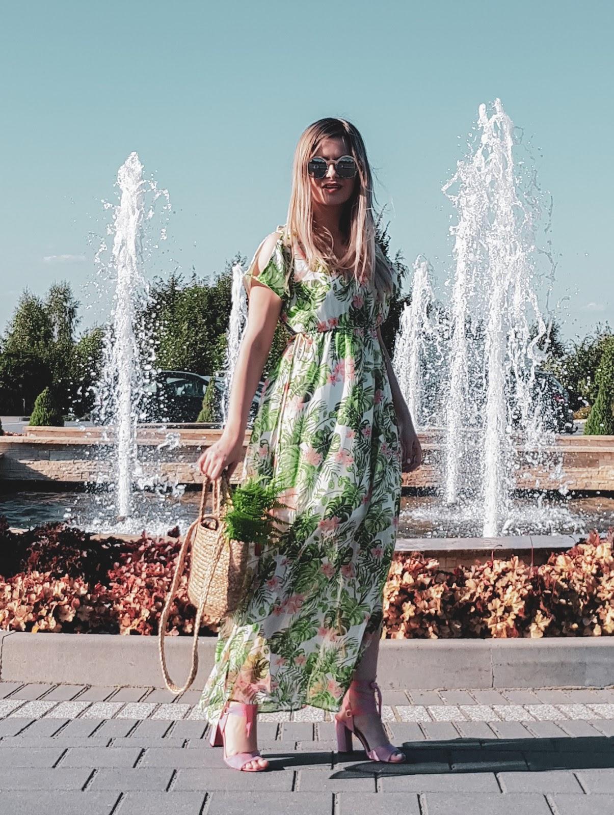 Sukienka na lato na poprawiny bonprix