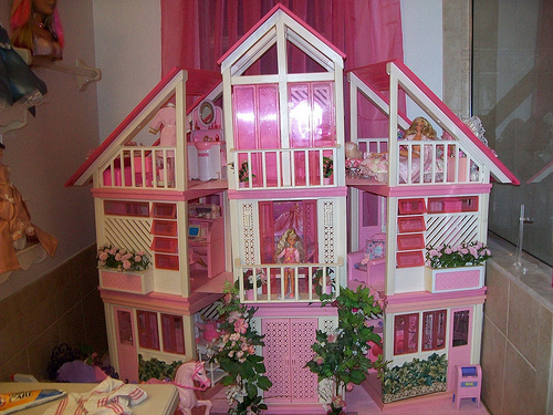Cartoons Videos Barbie House With Bed Pics