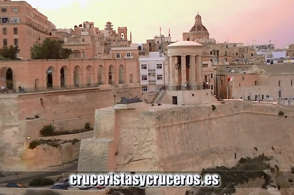 VÍDEOS - Costa Favolosa - Zarpando de Malta