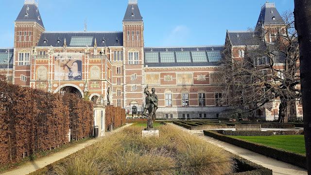 Rikjsmuseum and museum garden