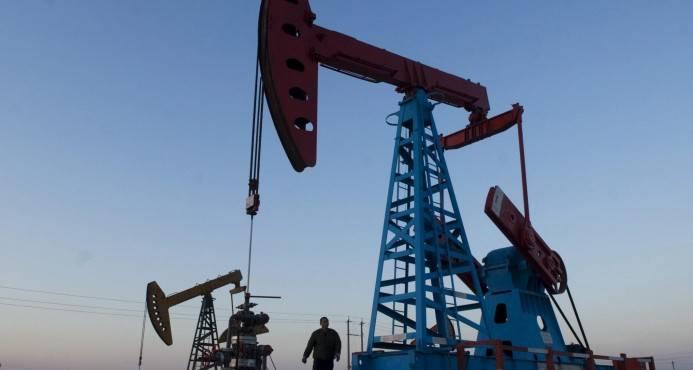 El petróleo de Texas baja 1.36 % y cierra en US$50.60 el barril