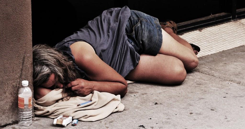 Бомжи словили проститутку, молодежное порно мобильных телефонов