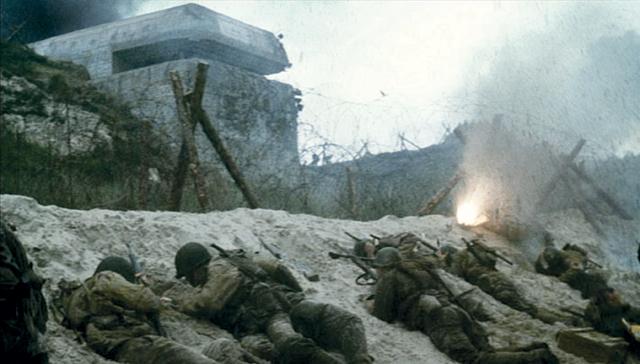 tropas aliadas llegando a los búnkeres alemanes salvar al soldado ryan