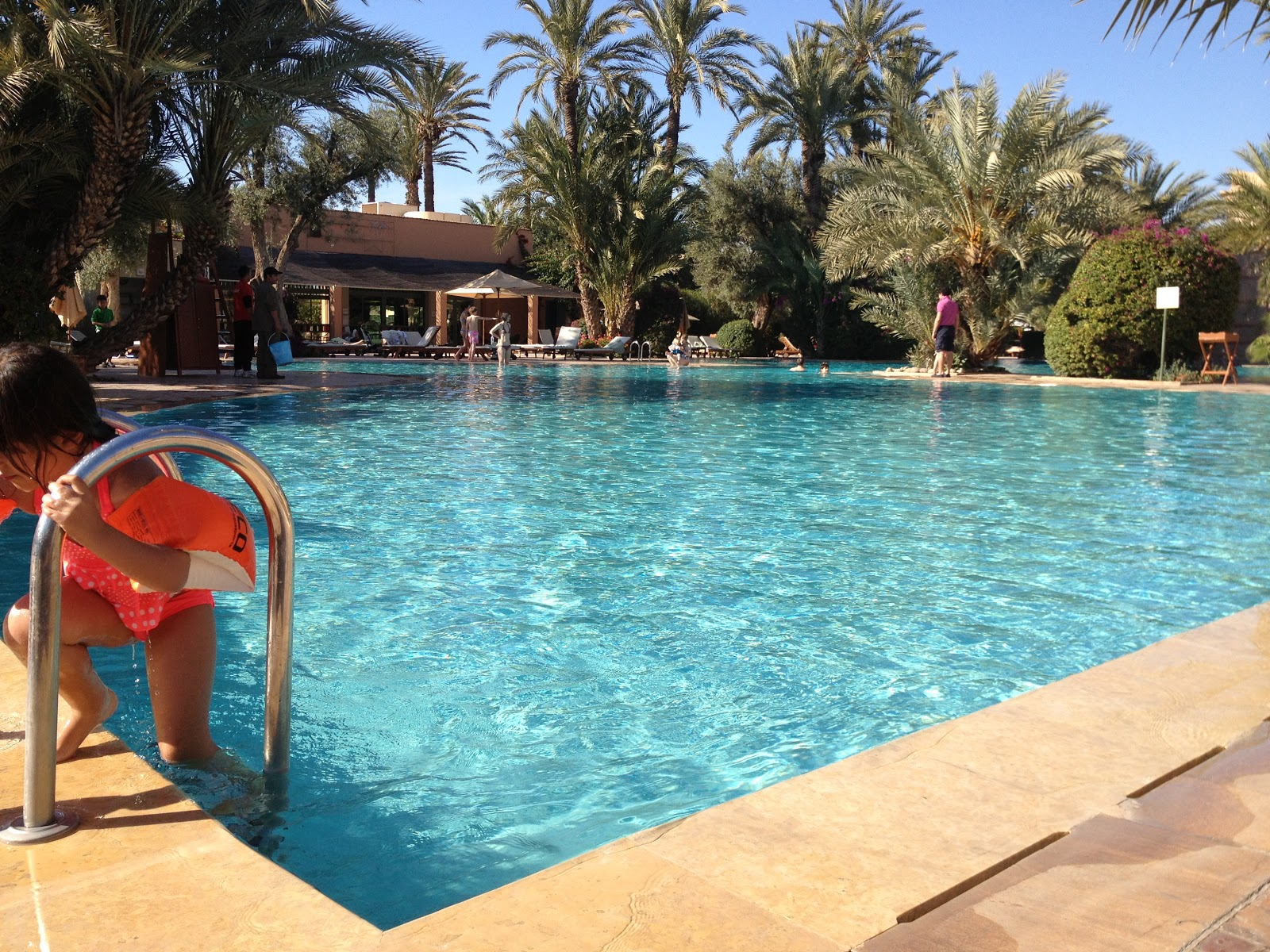 Club Med Marrakech R à la piscine JPG