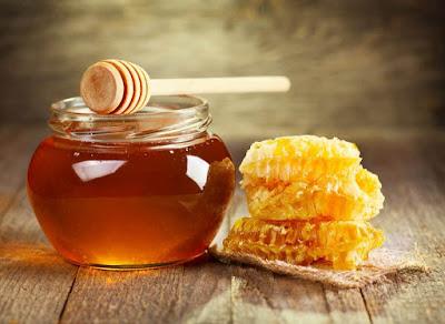 Khasiat mengonsumsi madu