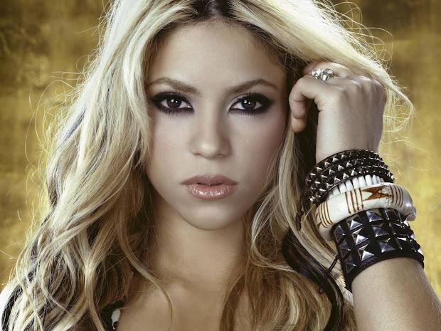 Shakira Singer