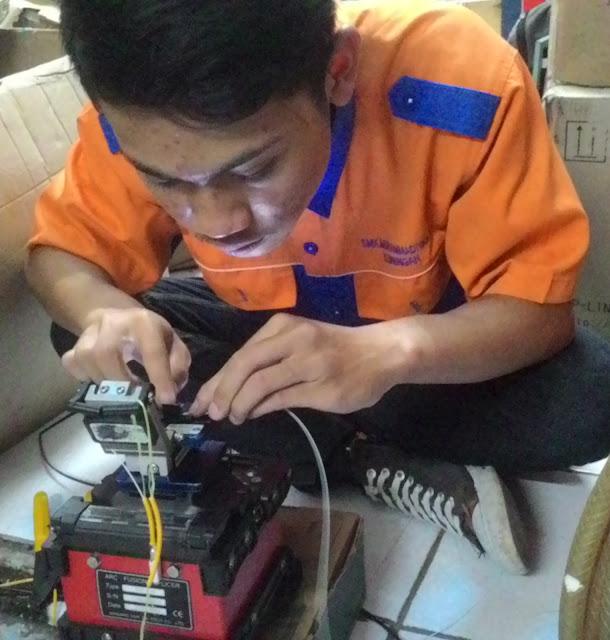 Mengupas Dan Menyambungkan Kabel FO Dengan Fushion Sflicer - Gateway Ilmua