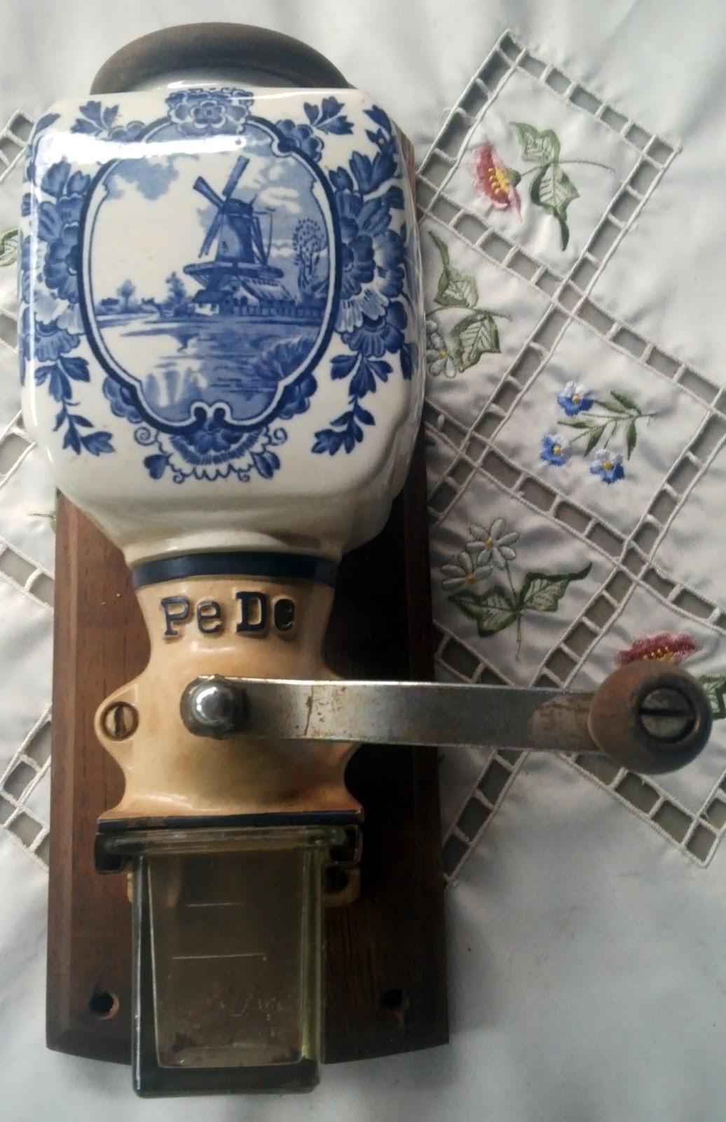 """SALE - Gilingan Kopi Dinding by PeDe """"Delft"""""""
