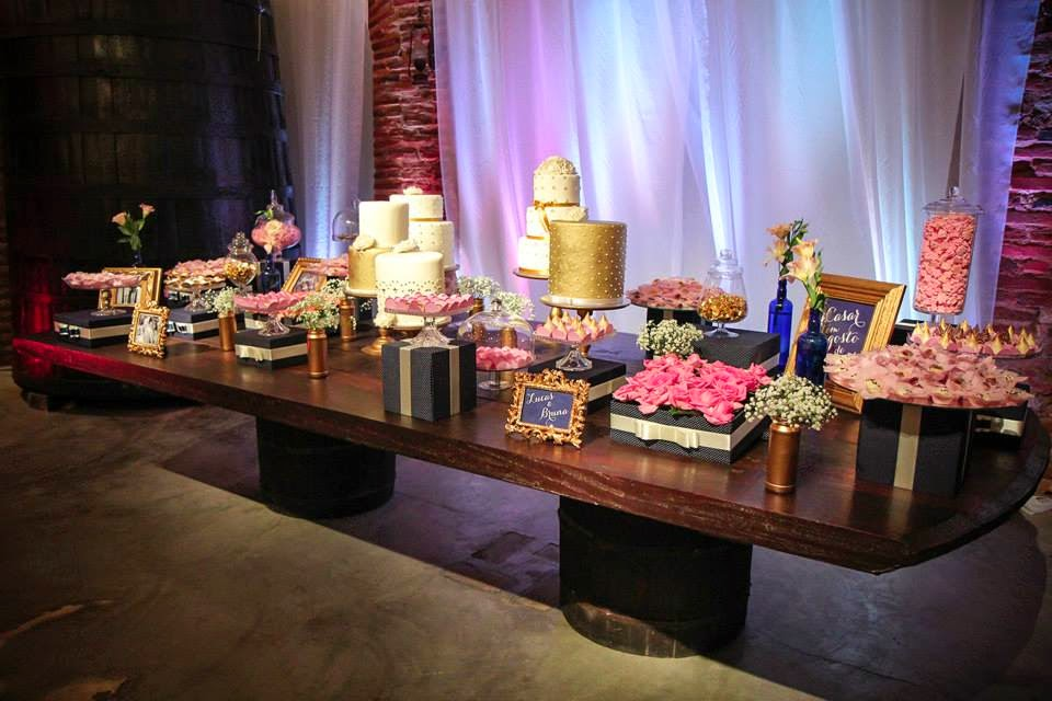 casamento-lindo-singelo-festa-decoracao-mesa-bolo
