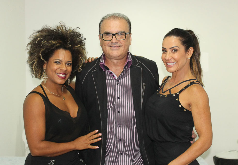 Janaína do Mar, Dr. Edson Ramuth e Scheila Carvalho. Foto: Renato Cipriano/Divulgação