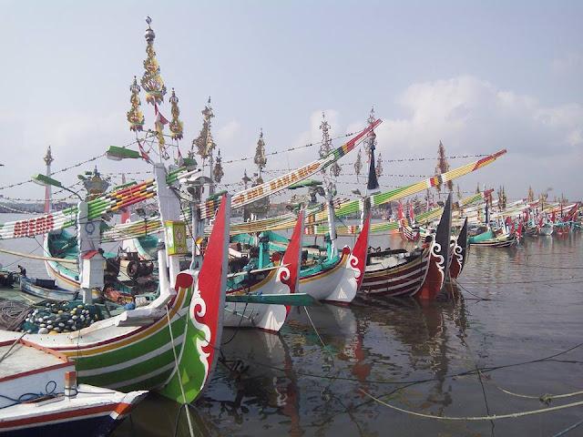 Perahu slerek di Muncar, Banyuwangi.