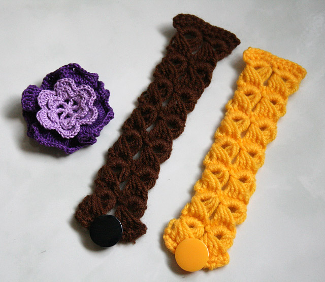 crochet purple flower brooch and broomstick lace bracelet