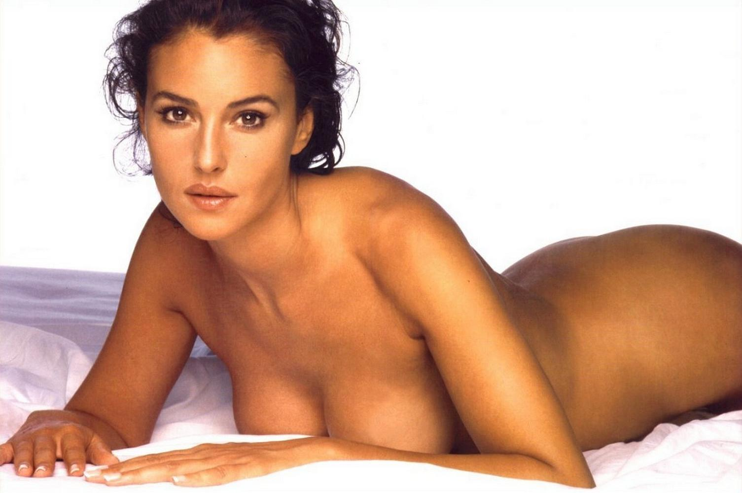 Monica Naked 110