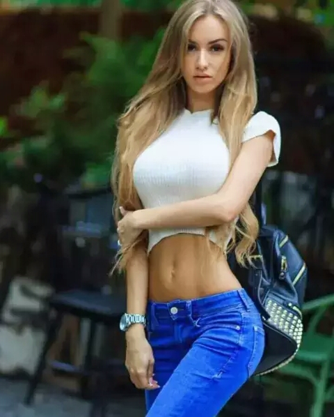 This 21 Year Old Girl is the hottest Model From Russia