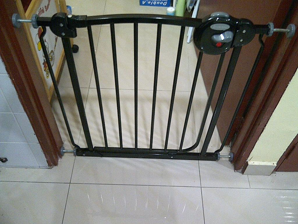Special Toys Shop Lucky Baby Safety Gate Black