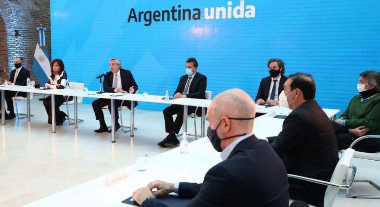 """Argentina logra reestructurar """"el 99 % de la deuda"""" con los bonistas: ¿Qué implica para su economía?"""