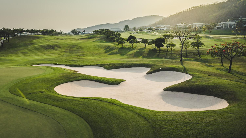 タイの避暑地ホアヒンでゴルフ 景色最高の ブラックマウンテン バンヤンゴルフクラブ リーマンマイラーの楽しみ方