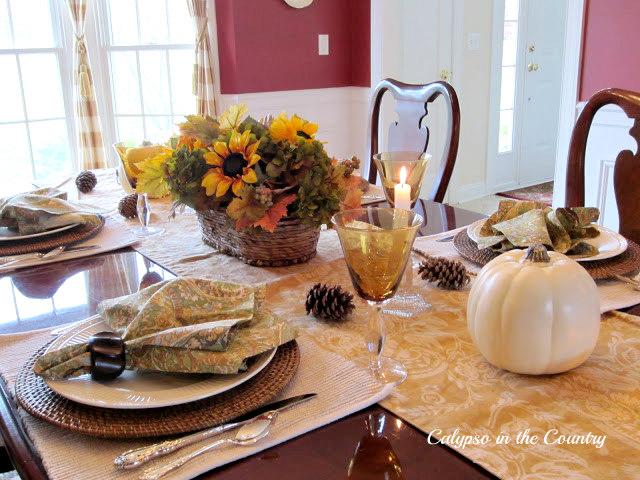 Thanksgiving Table Setting using white pumpkins
