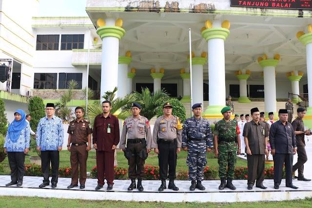 Personil Polres Tanjungbalai Melaksanakan Upacara Bendera Dalam Rangka Memperingati Hari Kesadaran Nasional