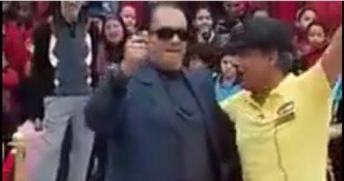 ايقاف مدير مدرسة المعادي لرقصه على مهرجانات