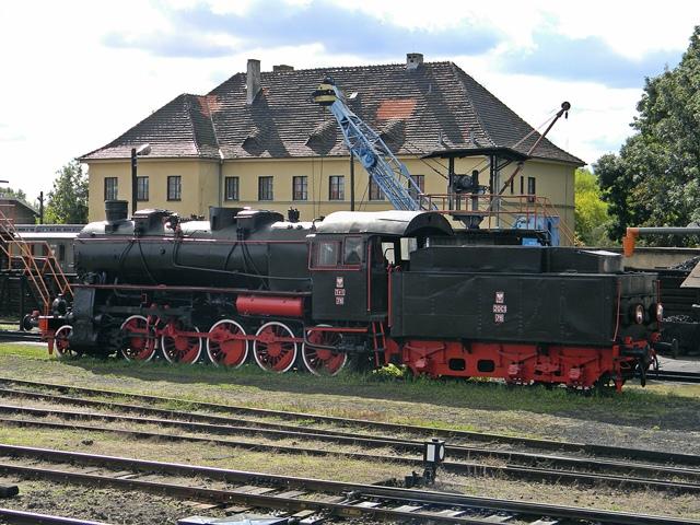 parowóz, skład pociągu, tory, Wolsztyn