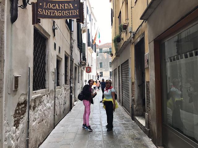 Venedik Ara Sokak