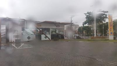 Prefeitura notifica empresa para reparo imediato da lona danificada no Mercado  do Peixe do Rio Vermelho