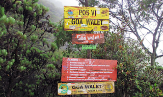 Pos Goa Walet pendakian Gunung Ciremai