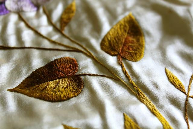 bordado hojas