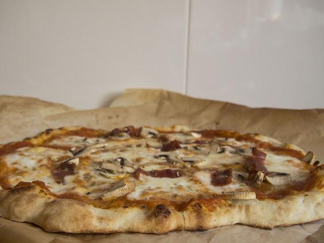 masa de pizza sin amasado