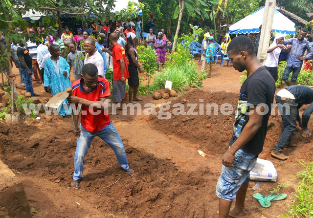 Drama As Families Fight Over Burial Space For Anambra Man's 2 Wives And Throw Corpse On The Floor (Photos)