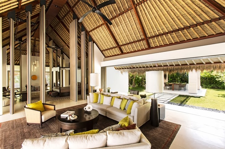 Living room in Modern villa in Maldives by Jean-Michel Gathy