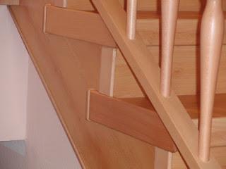 HK-Treppenrenovierung - Treppenwange überstehend mit Seitenkappen