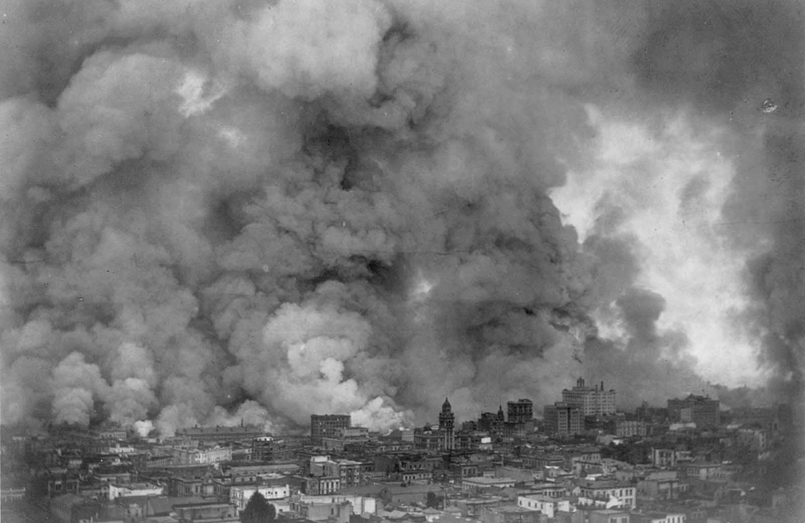 San Francisco in flames, April 18,1906.