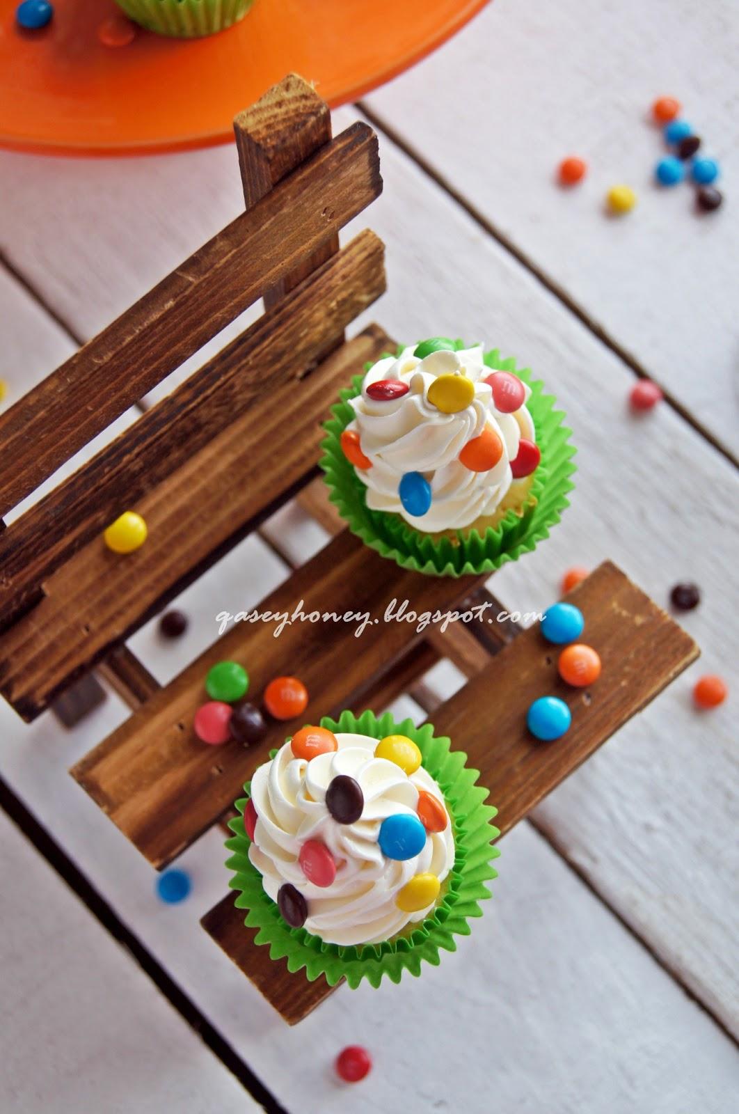 Vanilla Cupcake Qasey Honey